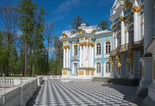 Foto op Plexiglas Historisch geb. Hermitage Pavilion in summer sunny day in the Catherine park in Pushkin (Tsarskoe Selo), St.Petersburg, Russia.