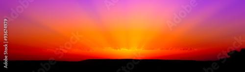 Template di un tramonto rosso viola