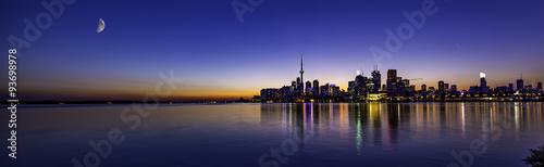 Deurstickers Toronto Mon over beautiful sunset in Toronto
