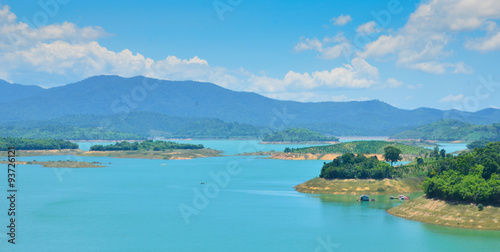 Foto op Aluminium Kust Ham Thuan lake, a destination near Dalat city with coffee garden