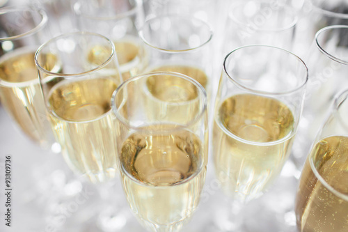 Photo  glasses with champagne