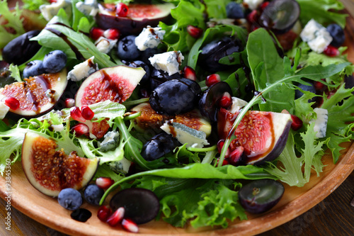 salad with figs and cheese