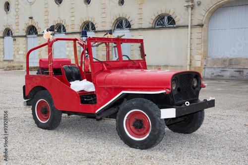 Photo  red jeep fireman - Beautiful old car