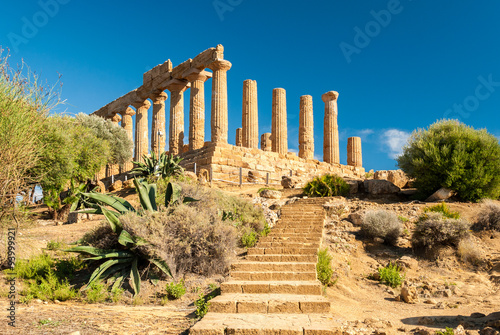 Deurstickers Bedehuis The temple of Juno, in the Valley of the Temples of Agrigento