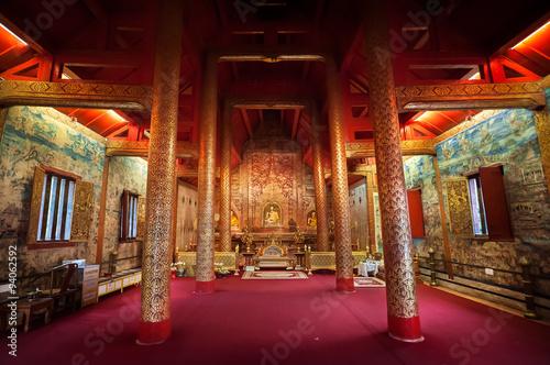 Foto op Plexiglas Bedehuis Interior shot of Wihan Lai Kham at Wat Phra Singh, Chiang Mai, Thailand