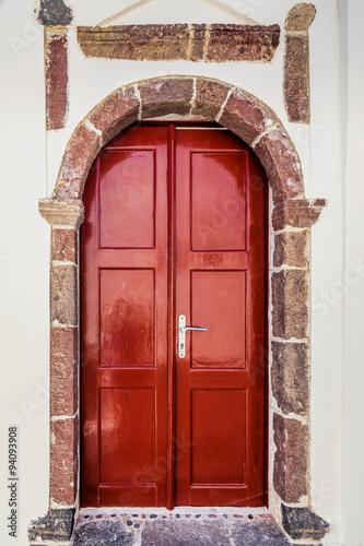 eleganckie-czerwone-drzwi