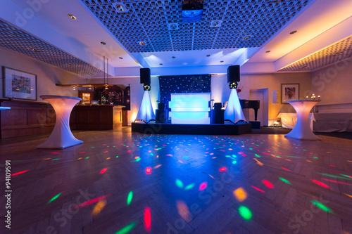 Obraz Tanzfläche für eine Hochzeitsfeier - fototapety do salonu