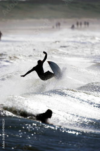 Surfer in welle #94146324