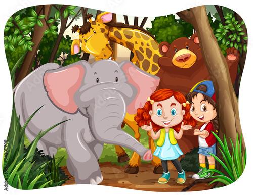 dzieci-i-dzikie-zwierzeta-w-dzungli