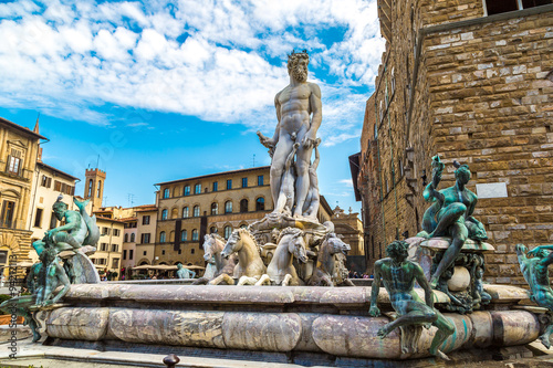 Photo sur Toile Florence The Fountain of Neptune in Florence