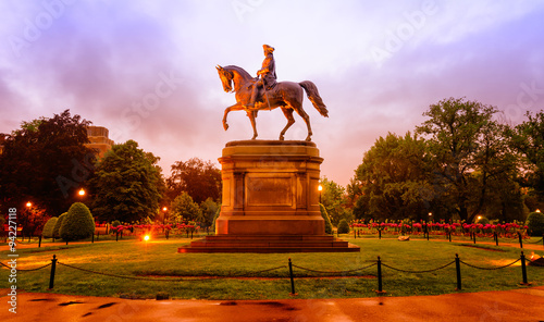 Fotografia Statue of George Washington in the Boston Public Garden