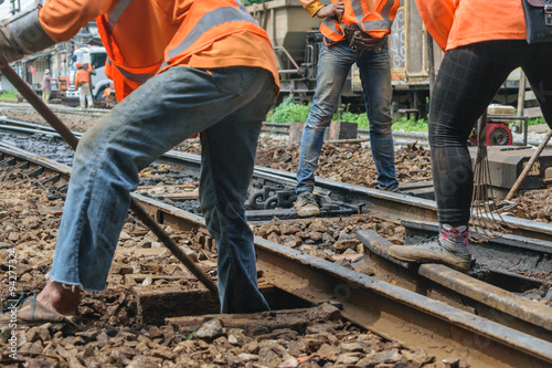 Poster Voies ferrées Restoration the railroad tracks