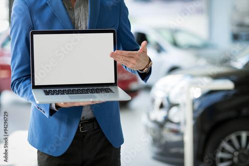 Fotografía dealer car shows the best offer