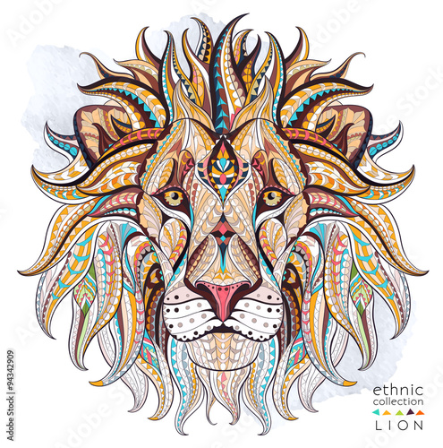 patterned-head-of-the-lion-on-the