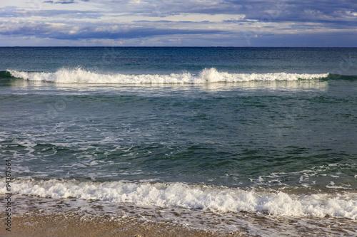 Poster Natuur Sardinië, aanrollende golven