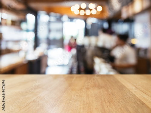 Fotografía  Table top counter with customer interior Retail shop background