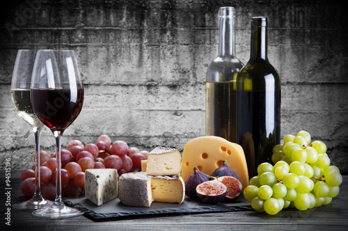 Fotografering  Wine and cheese