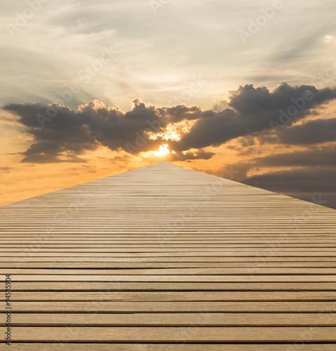 drewno-chodzic-sposob-na-niebo