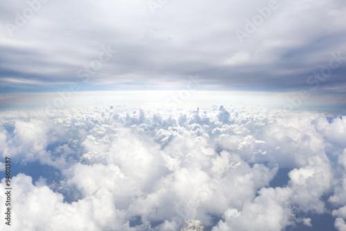 horyzont-niebieskiego-nieba