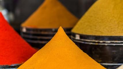 Panel Szklany Przyprawy spice piles in morocco