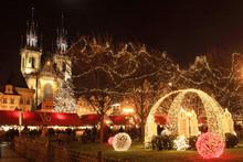 Christmas Mood On The Night Sn...