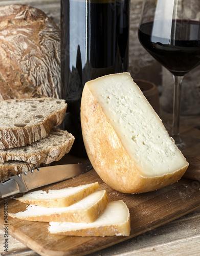 Fromage et Pain de Tradition - 94650374