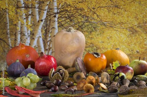 jesienna-kompozycja-z-warzywami-kasztanami-i-dyniami