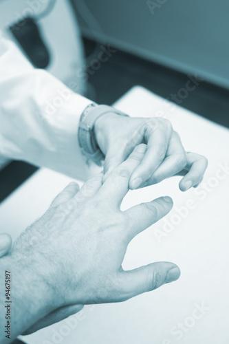 Fototapety, obrazy: Traumatologist orthopedic surgeon doctor examining patient