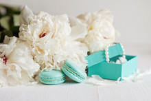 Tiffany Blue Macarons With Peo...