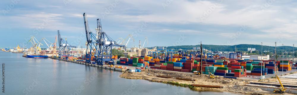 Fototapeta Deepwater Container Terminal in Gdansk