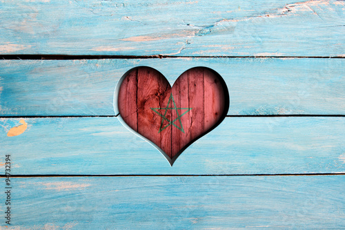 Papiers peints Maroc Love Morocco. Heart and flag on a blue wooden board