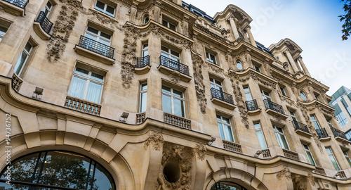 Photo sur Toile Europe Centrale Immeuble parisien