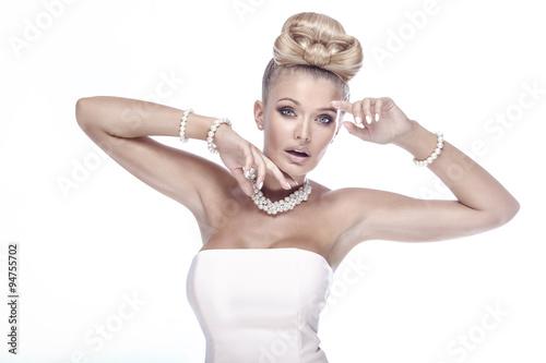 Cuadros en Lienzo Beauty portrait of elegant blonde lady.