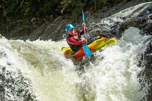 Fotografía  Kayak Waterfall Jump