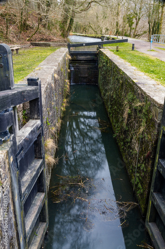 Foto op Canvas Kanaal Canal lock, Neath Canal.