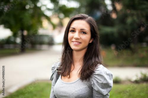 Fototapety, obrazy: Smiling woman portrait