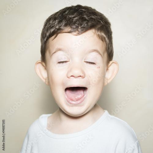 Valokuvatapetti Retrato de niño de 2 años