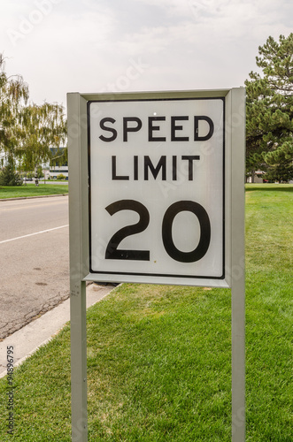 Fotografía  Speed Limit 20 Sign