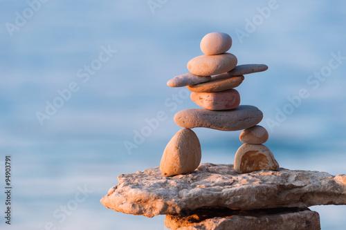 Figurine of Inukshuk of stones Fototapete