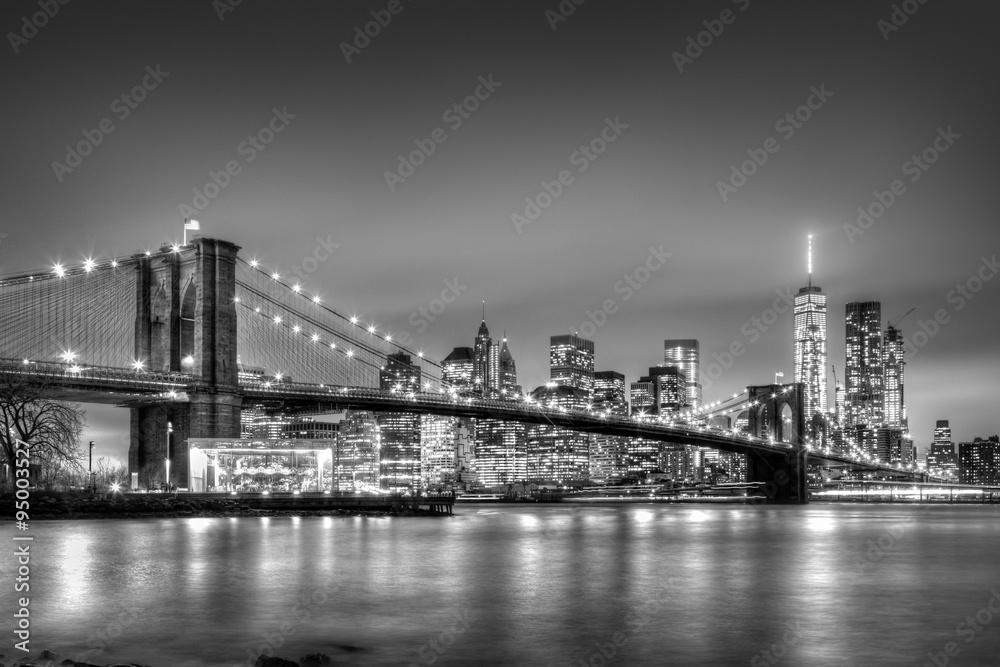 Fototapeta Brooklyn bridge at dusk, New York City.