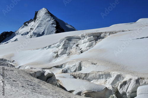 crevasse on the stockji glacier, near to Zermatt, Switzerland Canvas-taulu
