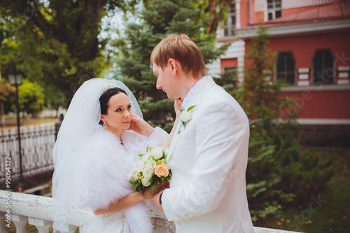 Fotografie, Obraz  Нежные новобрачные