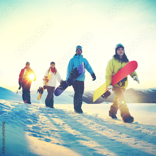 Papel de parede People Snowboard Winter Sport Friendship Concept