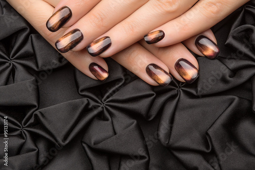 Photo  Beautiful woman's nails with nice stylish manicure.