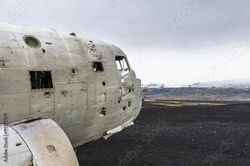 Obraz na plátně Flugzeugwrack auf Island