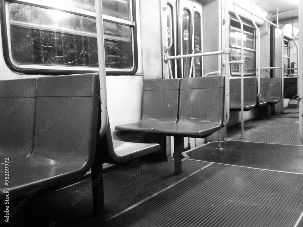 Sedili Wc Ikea : Photo art print sedili vuoti di un mezzo pubblico europosters