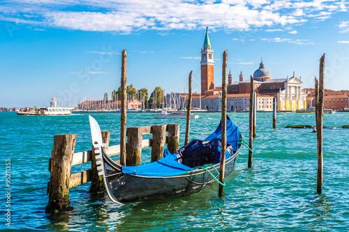 Türaufkleber Gondeln Gondolas in Venice, Italy