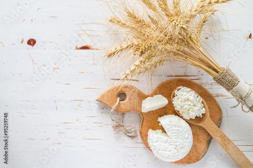 Zdjęcie XXL Wybór produktów mlecznych i pszenicy