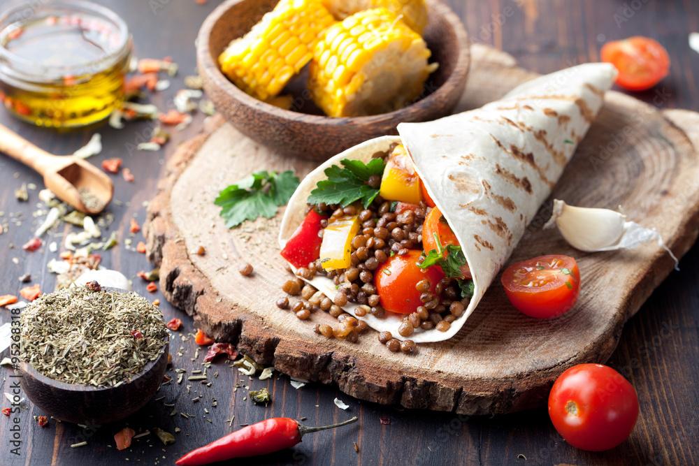 Fototapety, obrazy: Vegan tortilla wrap, roll with grilled vegetabes, lentil, corn cob.