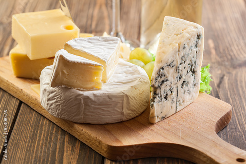 Photo  Set of different cheeses